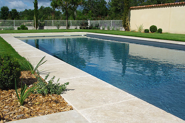 Carrelage piscines latour carrelage carreleur langon for Carrelage piscine